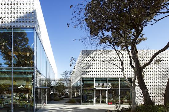 1-daikanyama-t-site-by-klein-dytham-architecture.jpg